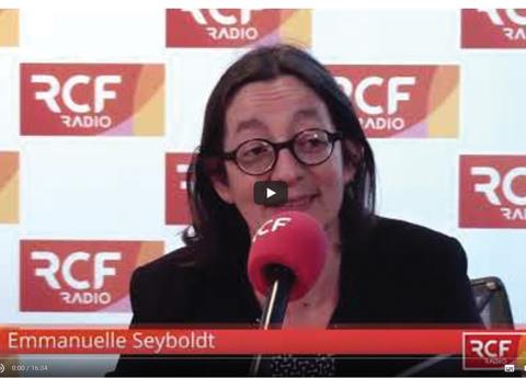 temoins - Emmanuelle Seyboldt est interviewée